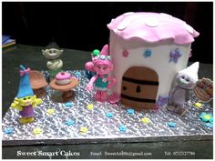 Fondant Figures, Cupcake Toppers, Birthday Candles, Gingerbread, Icing, Cake Decorating, Cupcakes, Desserts, Food
