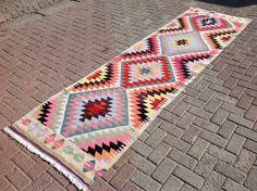 Kilim runner, Pink kilim runner, Vintage Turkish kilim runner rug, runner, runner rug, vintage hallway runner rug, bohemian runner, wool rug