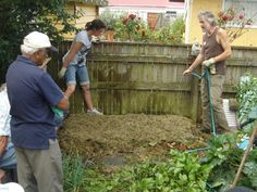 a finished garden bed                       Step by step instructions to make a NO DIG Vegetable garden.....