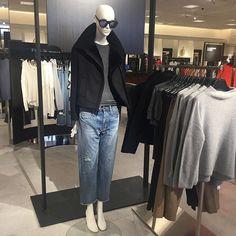 Saturdays in the city @vince  #fallfashion #lightlayers #shearling #jacket #motojacket #denim #jeans #vince #nordstrom @pixxyapp
