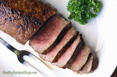 An easy stovetop London Broil recipe that highlights the bold, beefy flavor of top round steak and requires very little work. Healthy Grilling Recipes, Grilled Steak Recipes, Roast Recipes, Healthy Dinner Recipes, Easy London Broil Recipe, London Broil Recipes, Top Round Steak, Beef Round, Top Round London Broil