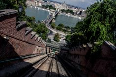Discover the sights of Budapest's Castle District Danube River Cruise, Buda Castle, Budapest, Places To Visit, Explore, Mansions, House Styles, City, Bucket