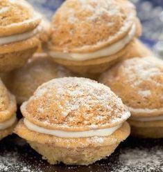 Plnené orechy | Recepty.sk Christmas Goodies, Christmas Baking, Wedding Soup, Four, No Bake Cake, Cooker, Sweets, Cupcakes, Breakfast