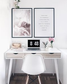 Cozy workspace home office decoration ideas 25 Small Home Offices, Home Office Space, Home Office Design, Home Office Decor, Home Decor, Office Desks, Small Office, Study Room Decor, Bedroom Decor