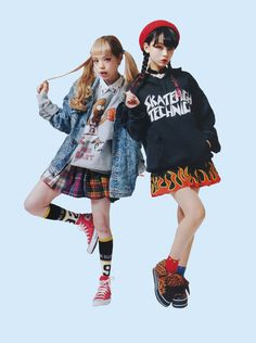 these girls pose Japanese Street Fashion, Tokyo Fashion, Harajuku Fashion, India Fashion, Mode Harajuku, Harajuku Girls, Fashion Poses, Fashion Outfits, Pretty Outfits