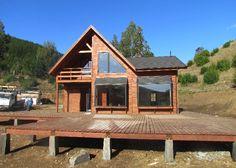 :: CASUR :: - Casas Prefabricadas Modelo Coliumo 3000 Log Cabin Exterior, Dream House Exterior, A Frame House Plans, Modern House Plans, Mountain Ranch House Plans, Beach Cottage Style, Cabin Homes, House In The Woods, Tiny House