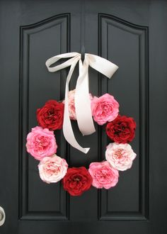 A beautiful Valentine's Day themed wreath #prettyinpink #valentines