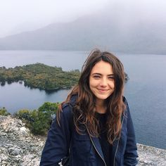 Kim.. at straddle mountain Cast : amelia zadro