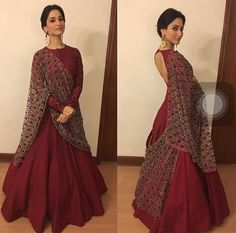A classic piece by simple, elegant yet majestic ! Indian Gowns, Indian Attire, Indian Ethnic Wear, Pakistani Dresses, Lehenga Designs, Indian Wedding Outfits, Indian Outfits, Ethnic Fashion, Indian Fashion