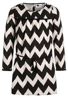 happy girls - Kleid Fazit: tolles Design, Gurt ist zu weit unten angenäht
