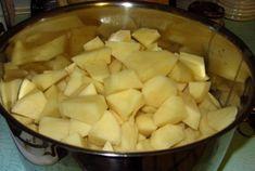 """""""Vyleváte vodu z brambor? Jde však o nesmírnou chybu!"""" – Po přečtení tohoto článku už to nikdy neuděláte - Vite Potatoes, Vegetables, Food, Potato, Essen, Vegetable Recipes, Meals, Yemek, Veggies"""