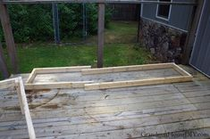 Outdoor bench for our deck: DIY wood working project tutorial! Outdoor Stools, Outdoor Decor, Garden Storage Bench, Door Bench, Cedar Deck, Deck Posts, Small Bench, Bench Plans, Outdoor Projects
