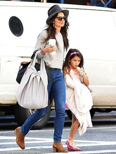 Katie Holmes - Spring 2014 - Love Katie's style here: skinny jeans, cute boots, and that hat!