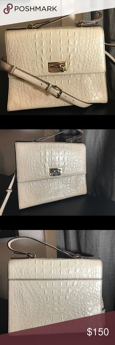 "Kate spade purse Cream/ gray Orchard valley ""Doris"" alligator leather Kate spade satchel with long strap to use as a shoulder / cross body bag. EUC, only minor wear on the inside of the long strap and minor scuffs on the hardware. Will trade for another Kate spade/ Michael Kors or Tory burch purse. kate spade Bags Satchels"