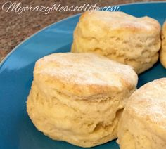 Growing up in East Tennessee I learned from some pretty great southern women the tricks to making fluffy flaky biscuits from scratch. I made up a batch last night and thought I would share my secre. Flaky Biscuits, Homemade Biscuits, Buttermilk Biscuits, Making Biscuits, Homemade Breads, Biscuit Bread, Biscuit Recipe, Breakfast Dishes, Breakfast Recipes
