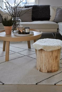 moderni puutalo Scandinavian Living, Country Living, Traditional, Living Room, Table, House, Furniture, Home Decor, Country Life