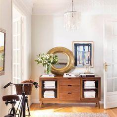 Que no falten los espejos Entry Hallway, Entryway Tables, Zara Home, Lovely Apartments, Empty Wall Spaces, Sweet Home, Stone Flooring, Lofts, Home Interior Design