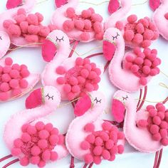 FLAMINGO Garland pink pom poms gold by heartfelthandmade on Etsy(Diy Ornaments Garland) Cute Crafts, Felt Crafts, Kids Crafts, Diy And Crafts, Flamingo Party, Flamingo Craft, Flamingo Ornament, Sewing Crafts, Sewing Projects