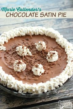 This Marie Callender's Chocolate Satin Pie Copycat recipe is spot on! The pie is rich and creamy, just like the Chocolate Satin Pie at the restaurant. Chocolate Silk Pie, Chocolate Desserts, Chocolate Cream, Chocolate Morsels, Chocolate Wafers, Chocolate Filling, Homemade Chocolate, Just Desserts, Delicious Desserts