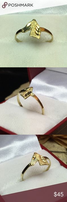 10k solid gold horse ring Small but really nice 10k solid gold horse great for a stacking ring.. size 6.5 Jewelry Rings