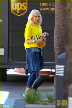 Gwen Stefani Goes Bright in Yellow to Kick Off Her Week: Photo Gwen Stefani steps out of her car in a bright yellow top while heading to a studio on Monday (October in Beverly Hills, Calif. Bright Yellow Tops, Gwen Stefani Style, Gigi Hadid Style, Cool Style, My Style, Celebs, Celebrities, Fashion Over, Kicks
