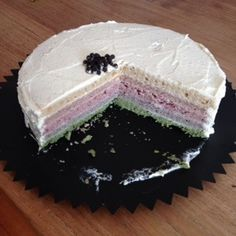 Sinds ik suikervrij leef is het voor mij een dingetje… Een taart te bakken die én een lust voor het oog is én lekker, ook voor de niet suikervrije me