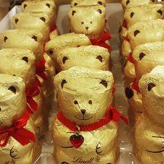 """""""Al supermercato ho incontrato un esercito di orsetti d'oro """""""