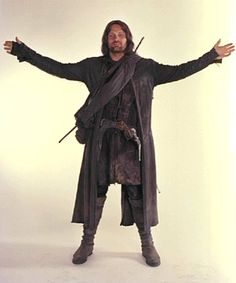 Tolkien's Lord of the Rings :: Aragorn photo gallery Fellowship Of The Ring, Lord Of The Rings, Aragorn Und Arwen, Aragorn Costume, Hobbit Cosplay, Sword Dance, J. R. R. Tolkien, Striders, Character Aesthetic
