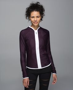 I want this!!  Great colour and reversible so, like 2 jackets!!