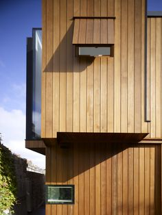 Glass and Timber House by Hampson Williams Architects