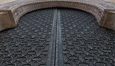 Curiosidades de la puerta más antigua de #Sevilla