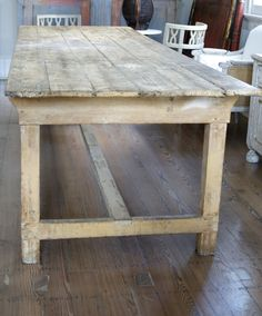 Farmhouse Dining Table Design Ideas With French Style Farmhouse Furniture, Farmhouse Table, Farmhouse Decor, Rustic Table, Rustic Wood, Vintage Furniture, Furniture Design, Esstisch Design, Dining Table Design