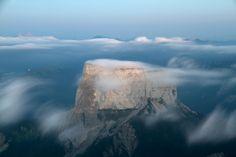 Le Mont Aiguille tire la couverture
