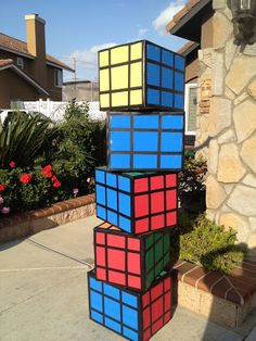 DIY RUBIX CUBE Party - (These would make great stands either side of an entrance door) 😊 x Disco Party, Glow Party, Party Fiesta, Festa Party, 80s Birthday Parties, 50 Birthday, Decade Party, Skate Party, Retro Party