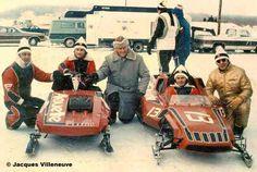 Les frères Gilles et Jacques Villeneuve, coéquipiers en course de motoneige pour l'équipe Alouette