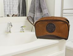 American Bison Leather Kit Bag! USA/Duluth Pack made!  http://duluthpack.com/bison-series