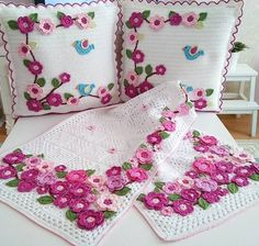 Embroidery for Beginners & Embroidery Stitches & Embroidery Patterns & Embroidery Funny & Machine Embroidery Crochet Daisy, Crochet Fox, Crochet Motif, Crochet Designs, Crochet Patterns, Crochet Cushion Cover, Crochet Cushions, Crochet Bedspread Pattern, Pillow Crafts