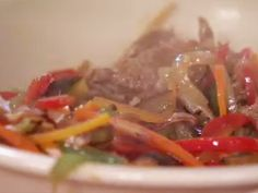 Wok de carne | Recetas | Utilisima.com Tasty, Beef, Recipes, Food, Soda, Healthy Eating, Knifes, Cook, Diets