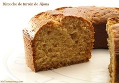 Bizcocho de turrón de Jijona - MisThermorecetas.com Flan, Yummy Cakes, Banana Bread, Food And Drink, Cooking Recipes, Tasty, Desserts, Cupcakes, Cheat Sheets
