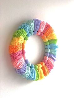 Cute Crafts, Crafts To Do, Arts And Crafts, Paper Crafts, Yarn Crafts For Kids, Diy Crafts Using Yarn, Diy Crafts For Girls, Handmade Crafts, Wreath Crafts