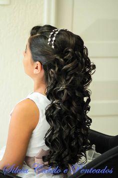 #bride #brasil #hair #cabelo #casamento #cabeleireira #inspiraçao #beautiful #beauty #beleza #mulher #linda #wedding #inspiration #penteados #top #look #hairstylist Baby Girl Hairstyles, Wedding Hairstyles For Long Hair, Cute Hairstyles, Balayage Long Hair, Communion Hairstyles, Graduation Hairstyles, Toddler Hair, Grow Hair, Hair Dos