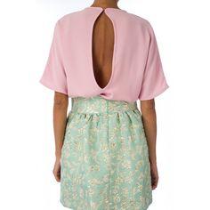 Blusa espalda abierta rosa