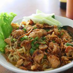 Rebecca R. Noodle Recipes, Rice Recipes, Asian Recipes, Cooking Recipes, Healthy Recipes, Ethnic Recipes, Mie Goreng, Chicken Menu, Indonesian Cuisine