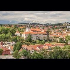 Beautiful Třebíč!  ------  #trebic #hotel #hotelkocour #czechrepublic #landscape #beautiful #country #town #unesco #basilica #rooftops #video Rooftops, Paris Skyline, Mansions, Landscape, Country, House Styles, Travel, Beautiful, Scenery