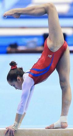 Gymnastics Events, Gymnastics World, Amazing Gymnastics, Gymnastics Posters, Gymnastics Pictures, Sport Gymnastics, Artistic Gymnastics, Gymnastics Leotards, Gymnastics Flexibility