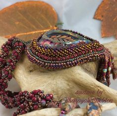 #autumn #leaveschanging #beadembroidery #beadwork #4uidzne #raku #MAKUraku #spiralstitch #bordoux #burgundypalette #necklace