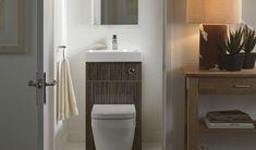 Sala da bagno con vasca forma arrotondata rivestimenti bagni