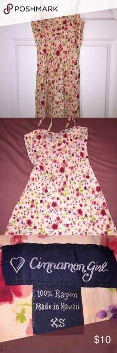 Women's Summer Dress☀️ Spaghetti strap dress made in Hawaii!! Floral print, short and sassy. Cinnamon Girl Dresses Mini