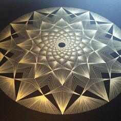 String Art Templates, String Art Tutorials, String Art Patterns, Arte Linear, Copper Wire Art, String Wall Art, Art And Craft Videos, Spirograph, Geometry Art