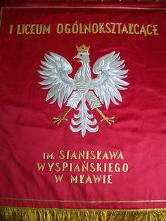 Sztandar szkoły im. Wyspiańskiego w Mławie